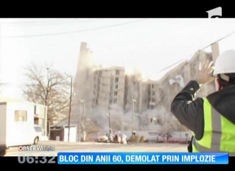 Bloc din anii '60, demolat prin implozie