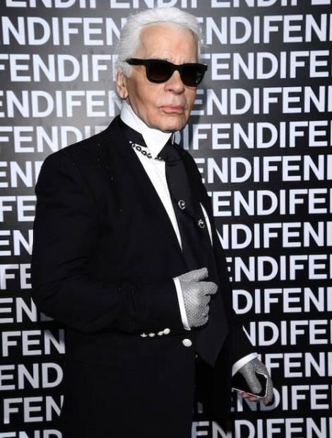 Karl Lagerfeld, prezentare de modă în pantofi sport