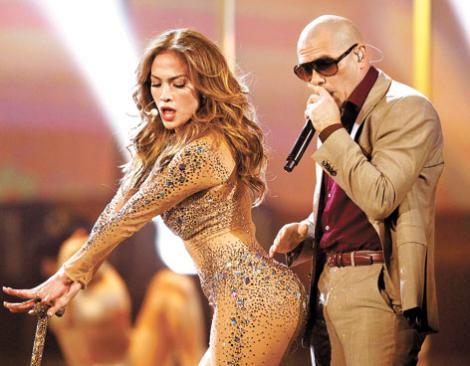 Jennifer Lopez, Pitbull şi Claudia Leitte vor cânta imnul Campionatului Mondial din Brazilia