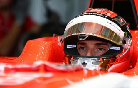 Imagini ULUITOARE! Monopostul pilotului de Formula 1, Jules Bianchi, filmat de un spectator chiar în momentul impactului