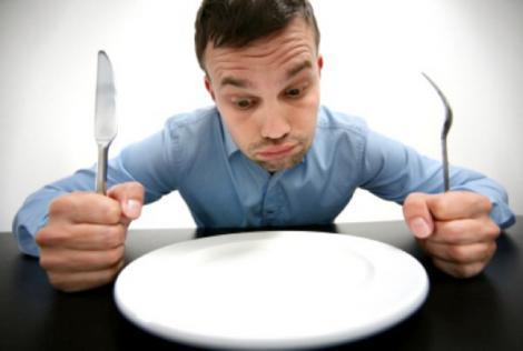 Mănâncă ACELAȘI LUCRU de 11 ANI! Ce consumă acest bărbat te va LĂSA MASCĂ!