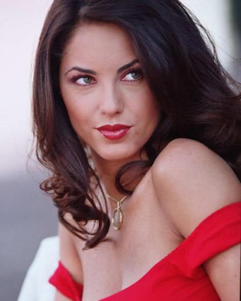 Sigur îţi aduci aminte de Rubi! Cum arată acum cea mai sexy actriţă de telenovele