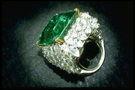 Aşa cevaaa…Rar ai ocazia să auzi! A furat un inel de 14.000 de dolari şi l-a înghiţit! Ce s-a întâmplat apoi
