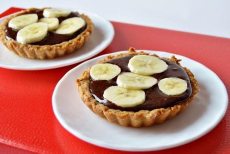 Combinaţia perfectă: Tarte cu ciocolată şi banane! O reţetă foarte simplă, DE POST, cu puţine ingrediente