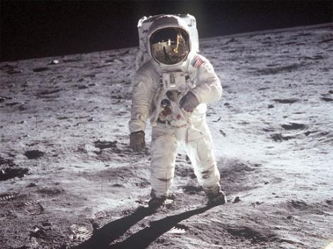 TOTUL a fost un SCENARIU! Omenirea a fost MINŢITĂ de oficialii NASA, uite ce s-a întâmplat DE FAPT!