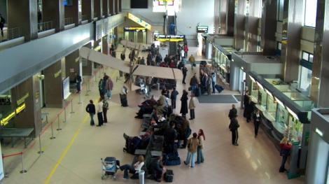 ATENȚIE! Reguli noi privind bagajul de mână, pe Aeroportul Otopeni-Henri Coandă!
