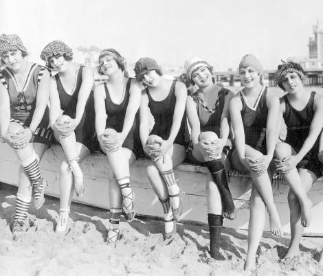 Cei mai cunoscuți comici, fustangii notorii! Cum arătau cele 7 femei din viața lor