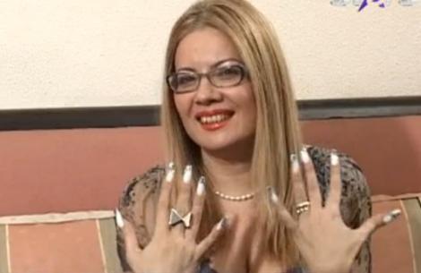 Wonder Day: Catinca Roman dezvăluie secretul unghiilor sale!