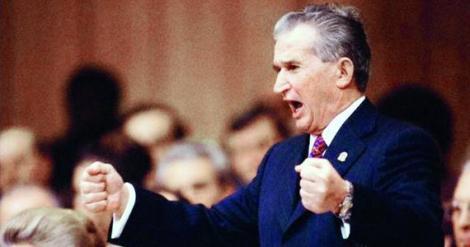 """La asta nu v-aţi fi aşteptat! Nicolae Ceauşescu, poet """"de meserie"""""""