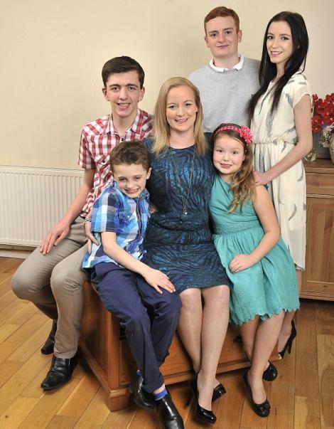 O femeie a luat în grijă copiii prietenei care a murit
