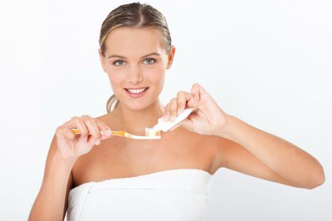 Cât de dăunătoare este pasta de dinți? Află cum te poți feri!