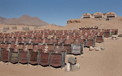 Aşa arată cel mai infricoşător CINEMA din lume! E în deşert şi aici nu s-a vizionat, niciodată, un FILM!!!
