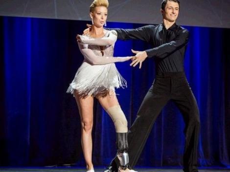 EMOȚIONANT! O balerină, supraviețuitoare a atentatului din Boston, a revenit pe ringul de dans cu ajutorul unei proteze