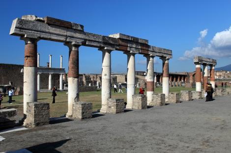 Oraşul-muzeu Pompei, în pericol din cauza ploilor torenţiale
