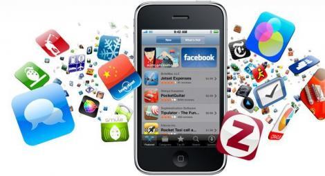 Premieră! Aplicaţiile mobile, mai folosite decât PC-urile