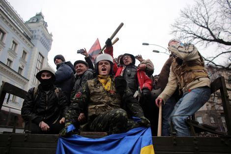 Ruşii încep atacul azi! Se pregătesc să deschidă focul în Crimeea