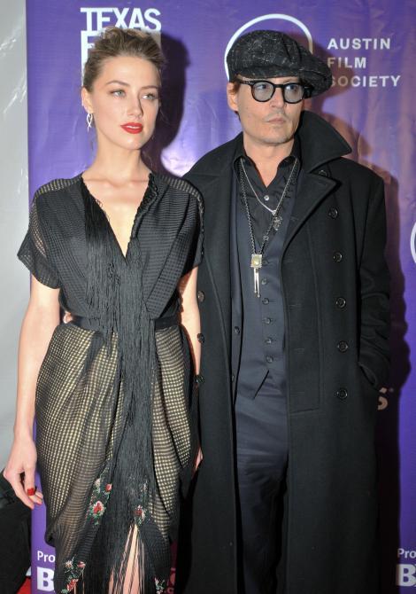 Johnny Depp, decis să renunţe la burlăcie! I-a oferit un inel de logodnă iubitei sale, Amber Heard