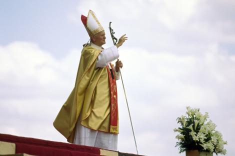 Eveniment istoric la Roma: Doi Papi din ultima sută de ani vor intra în rândul sfinţilor