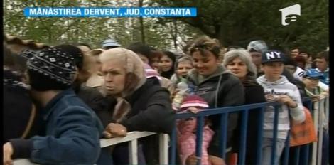 Mii de creștini în pelerinaj la Mănăstirea Dervent