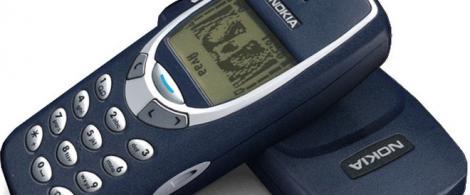 """Gadgeturile """"old-school"""", o nouă modă? Legendarul Nokia 3310 se intoarce. Sigur l-ai avut și tu!"""