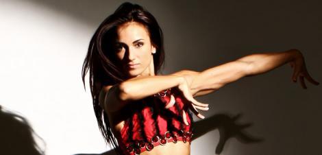 "Antrenament cu ""Miss Fitness Universe"": Anca Bucur"