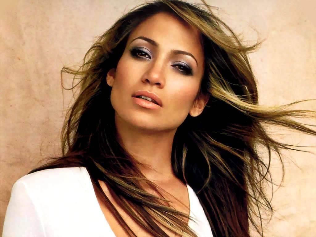 Cât de bine seamănă! Jennifer Lopez, fără pic de machiaj, alături de mama sa