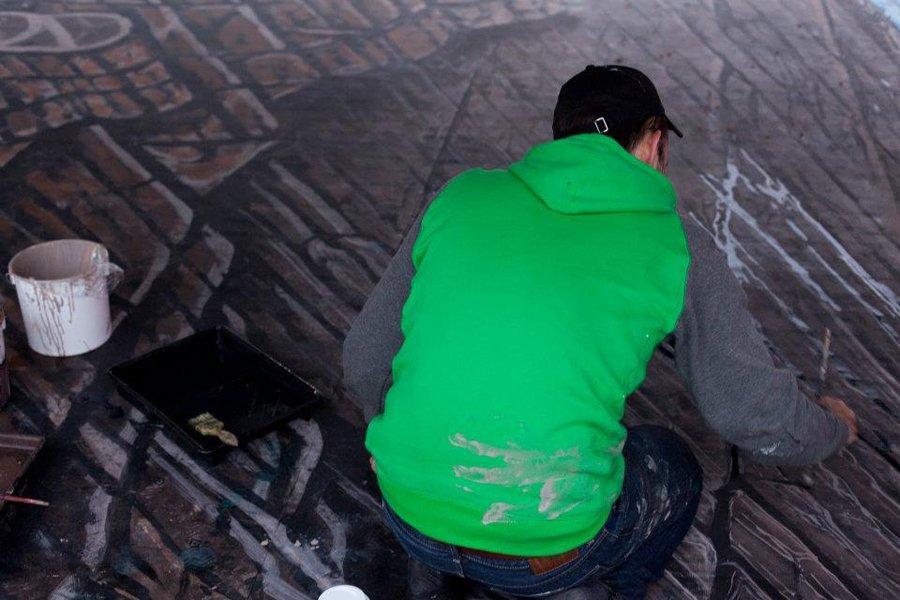 FOTO de SENZAŢIE: Aşa arată cea mai mare pictură stradală de tip 3D! Parcă pluteşti!