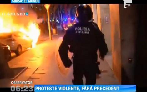 Confruntări violente între protestatari şi forţele de ordine, în Barcelona