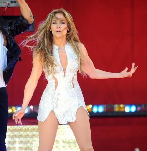 Jennifer Lopez se iubește cu un coregraf ucrainean