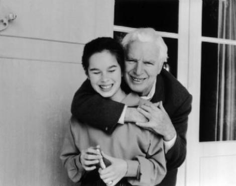"""Scrisoarea EMOŢIONANTĂ a lui Charlie Chaplin către fiica sa! """"Eu am plâns mai mult decât au râs ei"""""""