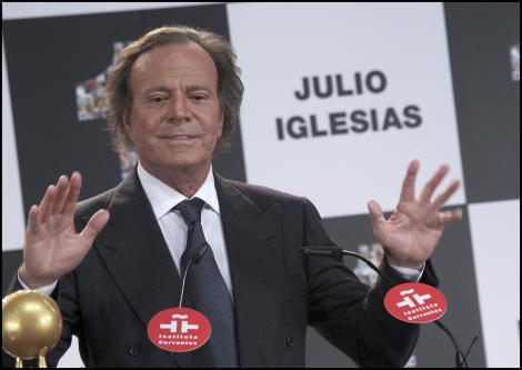 Julio Iglesias va susţine trei concerte în România