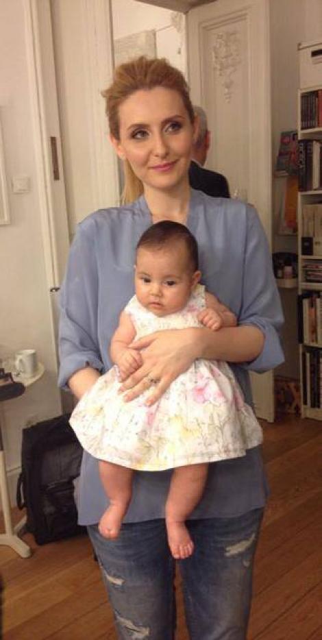Alina Sorescu şi Alexandru Ciucu, în prima vacanţă cu fetiţa lor