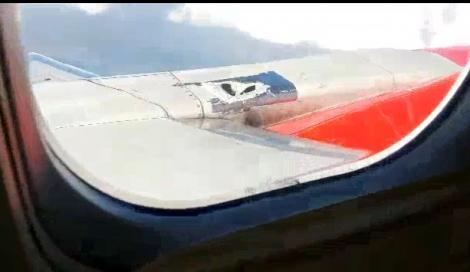 VIDEO TERIFIANT! Au reparat o gaură din fuselajul avionului cu BANDĂ ADEZIVĂ, care S-A RUPT în timpul zborului