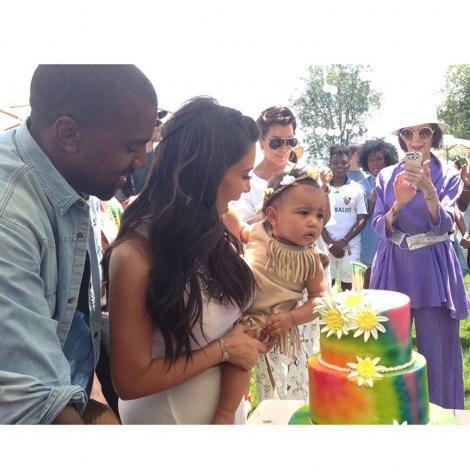 Necesitate sau fiţe? Kim Kardashian a angajat o dublură pentru fetiţa ei! Suma plătită este fabuloasă