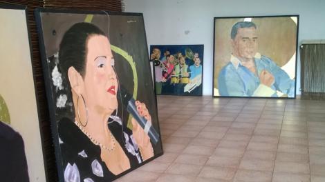 Artă PE SISTEM! Muzeul Țăranului Român găzduiește o expoziţie de tablouri... cu manelişti