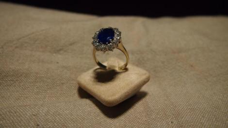SURPRIZĂ! Și-a pierdut inelul de logodnă și l-a găsit într-un loc neașteptat, după cinci ani