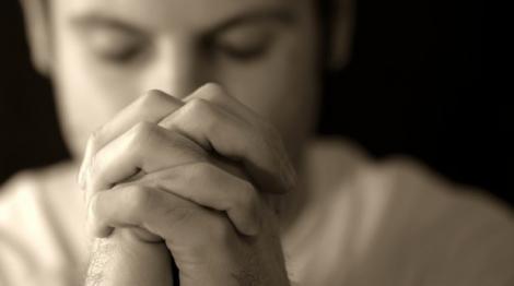 Mai puțin cu cartea, mai mult cu Dumnezeu! S-au rugat intens pentru a trece de examenul maturității