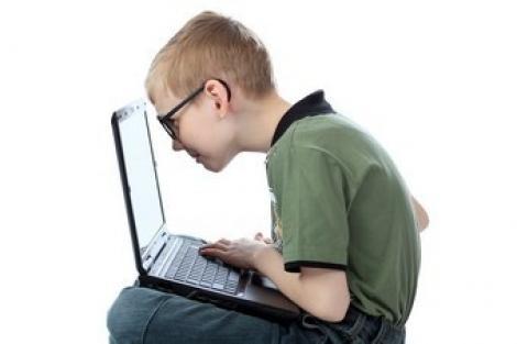 Tabără pentru dependenţii de internet, înfiinţată în China!