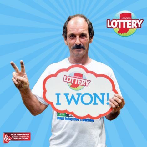 Noroc chior sau intuiție!? Un bărbat a CÂȘTIGAT de DOUĂ ori CONSECUTIV un MILION de dolari la loterie!