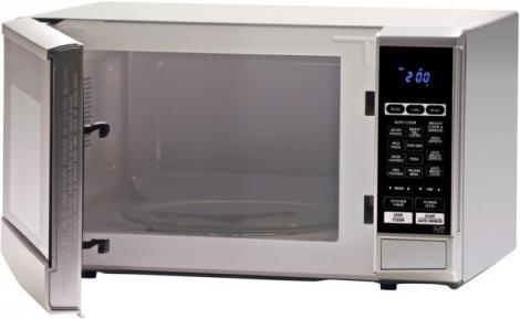 La un pas să fie UCISĂ de cuptorul cu microunde