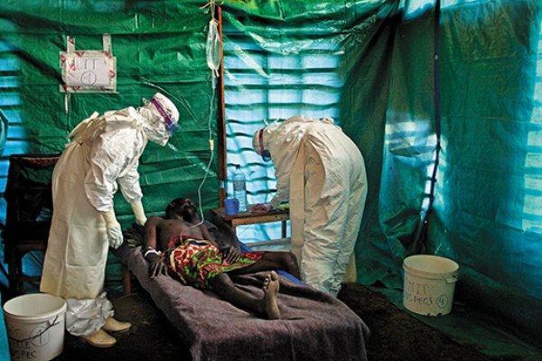 Alarmant! Câţiva bolnavi de Ebola au fugit dintr-un centru de izolare din capitala Liberiei, după un atac