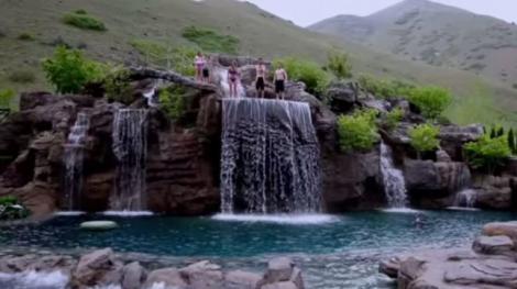 VIDEO GENIAL! Așa arată o piscină de 2 milioane de dolari! Distracție ALL-INCLUSIVE
