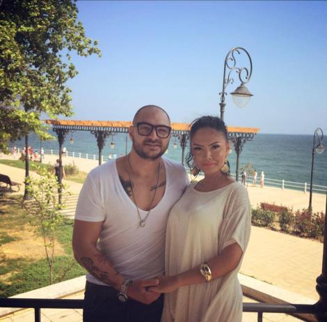 Îndrăgostiți până peste cap! Andreea Mantea și Cristian Mitrea, weekend romantic, la malul mării
