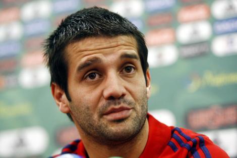 FOTO: Cristi Chivu îi amenință poziția lui Victor Pițurcă! Vezi gestul care l-a dat de gol