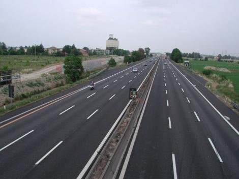 Chinezii ar putea construi autostrăzi şi căi ferate de mare viteză în România