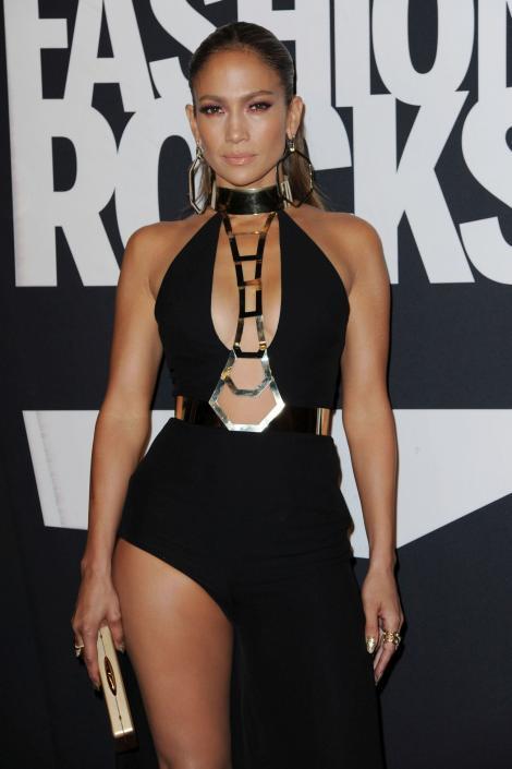 SHOW la superlativ! Jennifer Lopez a înnebunit pe toată lumea cu mişcările ei senzuale