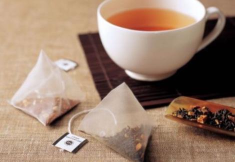 Un real PERICOL! Ce substanţe TOXICE conţin pliculeţele de ceai