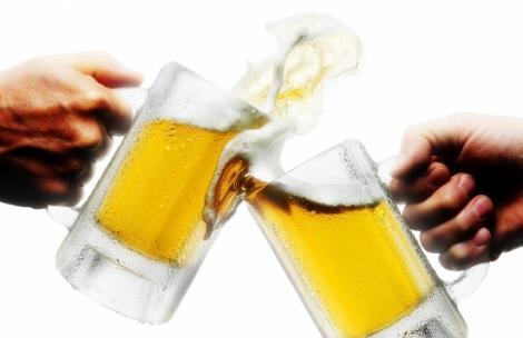 """VEȘNICA DILEMĂ """"Faci burtă de la bere?"""" și-a găsit răspunsul! Uite verdictul dat de specialiști"""