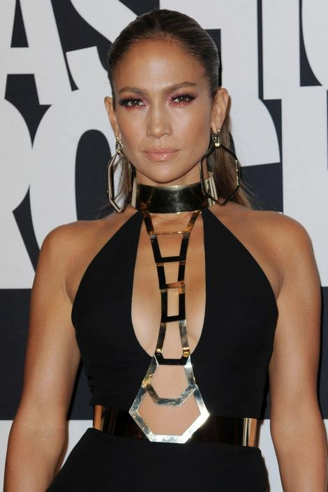 Jennifer Lopez, implicată într-un accident rutier: Iată prin ce a trecut vedeta!