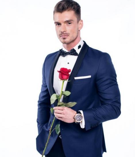 """Se lasă cu mii de vizualizări! Iată noua piesa a lui Bogdan Vlădău, prezentatorul show-ului """"Burlăciţa"""""""